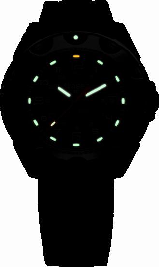 taktyczny zegarek traser P49 Survivor - czarna tarcza i stalowa bransoleta - w nocy