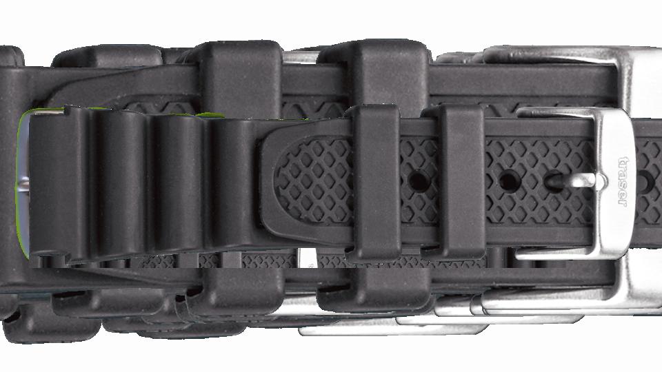 czarny pasek gumowy typu harmonijka do zegarka marki traser