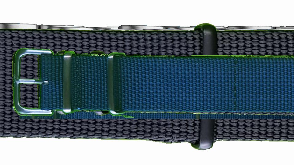 niebieski pasek tekstylny typu NATO ze stalową sprżączką do zegarka marki traser
