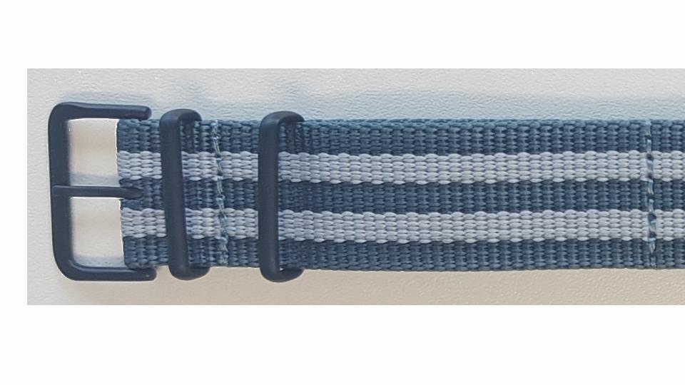 niebiesko-szary pasek tekstylny traser ze stalową sprzączką