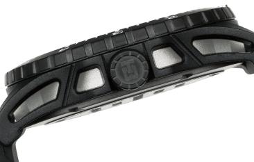 czarna koperta zegarka traser P66 typu Double Case