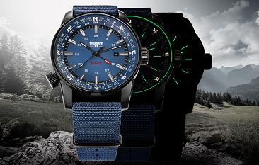 taktyczny zegarek traser P68 Pathfinder GMT Blue na tle Alp