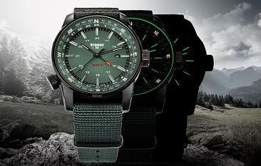 taktyczny zegarek traser P68 Pathfinder GMT Green na tle Alp